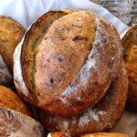 Pão de cebola com ervas frescas