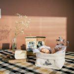 Kit 1 : Cumbuca em algodão cru para pães e biscoitos, com guardanapo e 02 pacotes de Café Abraçor